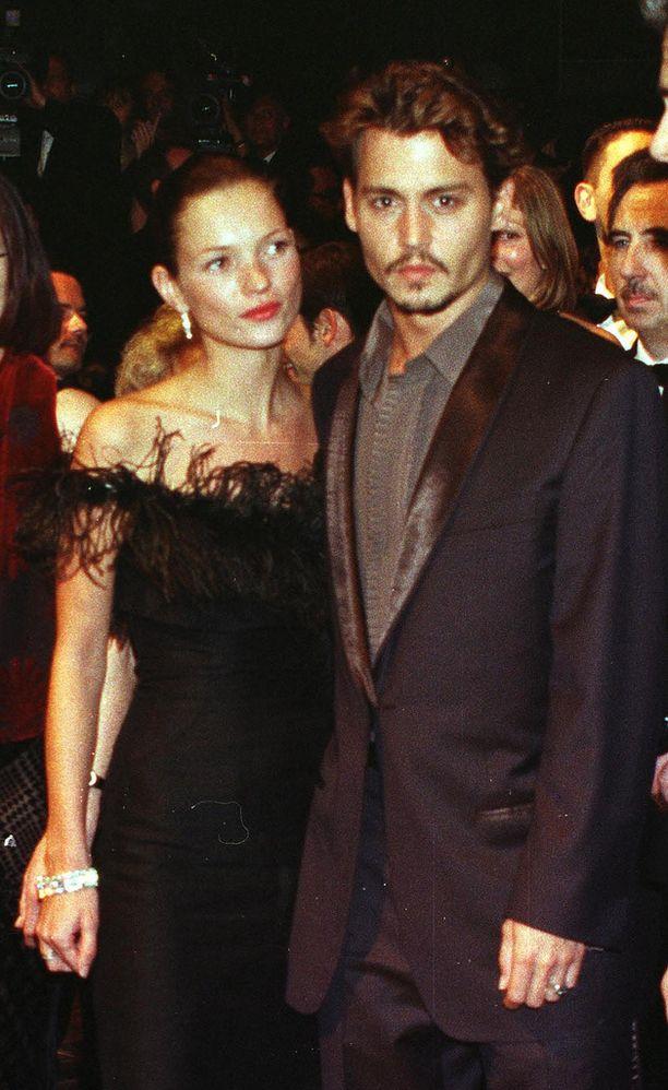 Nuoruudessaan Johnny Depp seurusteli Kate Mossin kanssa.