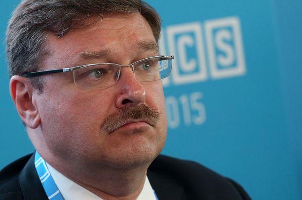 Konstantin Kosatšov on Venäjän parlamentin ylähuoneen ulkoasiainvaliokunnan puheenjohtaja.