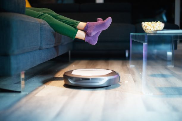 Robotti-imuri siivoaa kodin, kun otat itse rennosti.