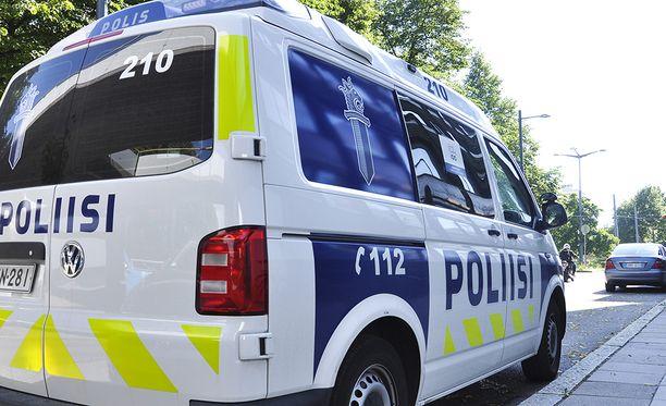 Hämeen poliisi tutkii tapausta muun muassa törkeänä pahoinpitelynä. Kuvituskuva.