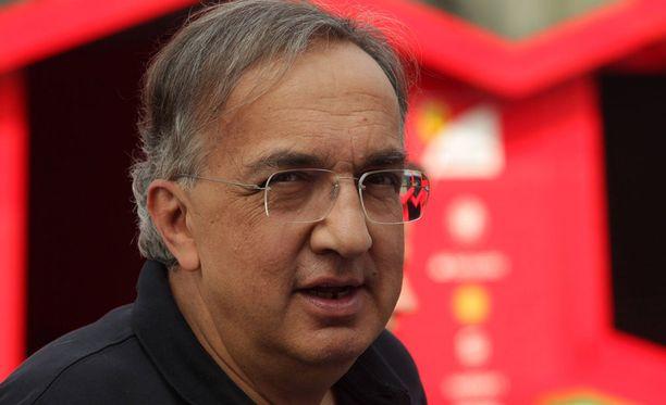 Ferrarin pääjohtaja Sergio Marchionne yrittää pitää kiinni tallin etuoikeuksista myös uudistuvassa F1-sarjassa.
