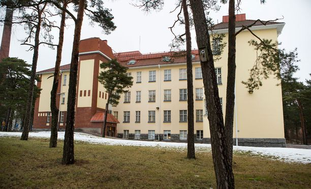 Poliisi ja useat viranomaistahot selvittävät yhteistyössä, mitä Turun kaupunginsairaalan vanhuspsykiatriatrisella osastolla on tapahtunut.