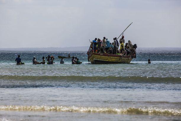 Pakolaisia saapumassa Pemban kaupunkiin viime heinäkuussa.
