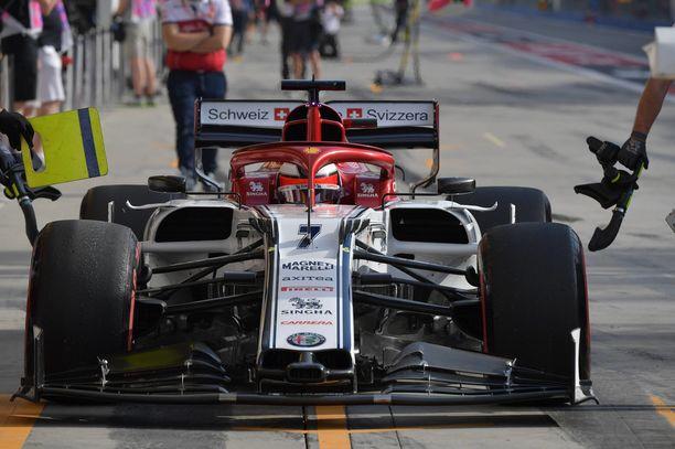 Kimi Räikkönen päihitti 25-vuotiaan tallitoverinsa selvästi.