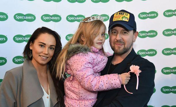 Esko Eerikäisen tytär Victoria tulee hyvin toimeen isän uuden kumppanin, bikinifitness-kilpailija Nina Ioannan kanssa.