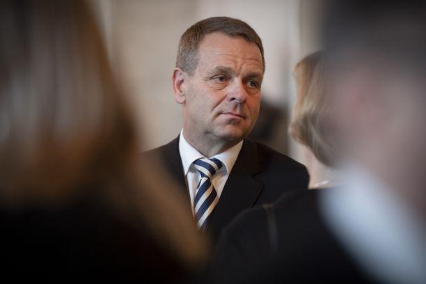 Helsingin pormestari Jan Vapaavuoren johtamistapaa arvostellaan. Arkistokuva.