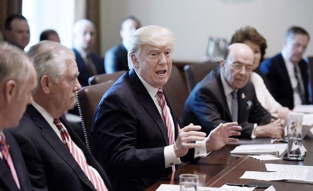 Donald Trumpilla on vielä monia hallinnon korkeita virkoja täytettävänään.
