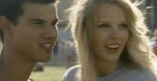 """Taylor Lautner ja Taylor Swift suutelevat elokuvakäsikirjoituksen mukaan kesken tv-haastattelun. Periamerikkalaisen romanttisesti pari valitaan koulun """"homecoming"""" -kuninkaaksi ja kuningattareksi."""