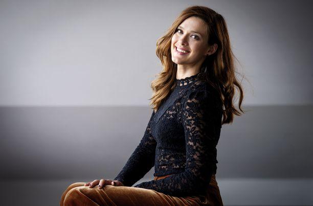 Krista Kosonen tunnetaan esimerkiksi televisiosarjoista Bullets ja Toisen kanssa.