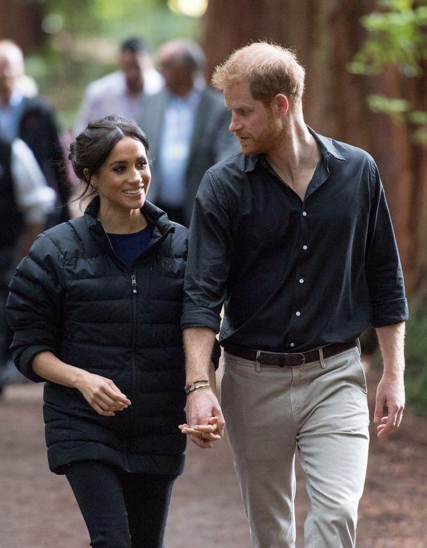 Kuvassa herttuatar Meghan ja prinssi Harry lokakuun lopussa Uudessa-Seelannissa. Pari saa perheenlisäystä ensi keväänä.