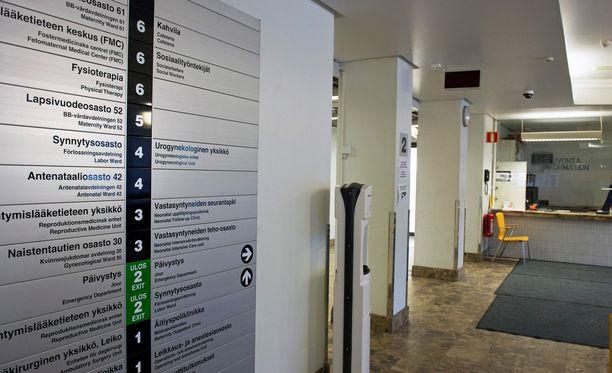 Naistenklinikalle siirtyi osa synnytyksistä, kun Kätilöopisto suljettiin.