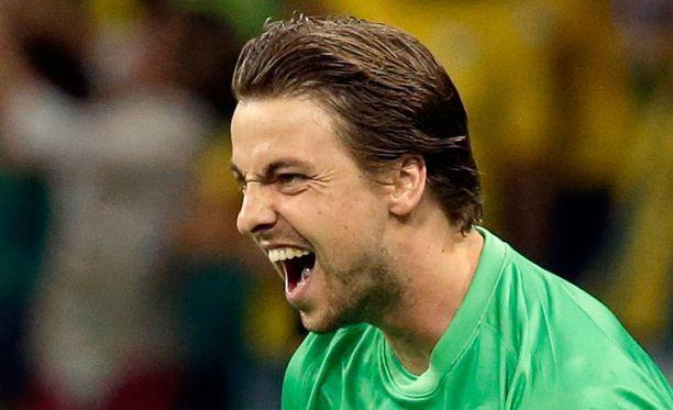 Tim Krul tuuletti villisti Hollannin edettyä jatkoon rankkarikisan jälkeen.