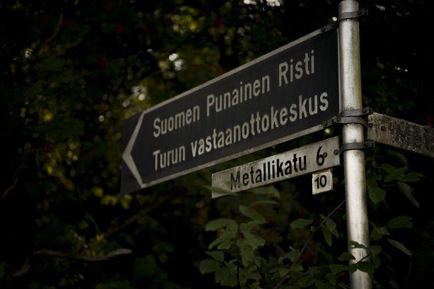 Iltalehden tietojen mukaan mies asui Pansion vastaanottokeskuksessa. Alue on yksityinen.