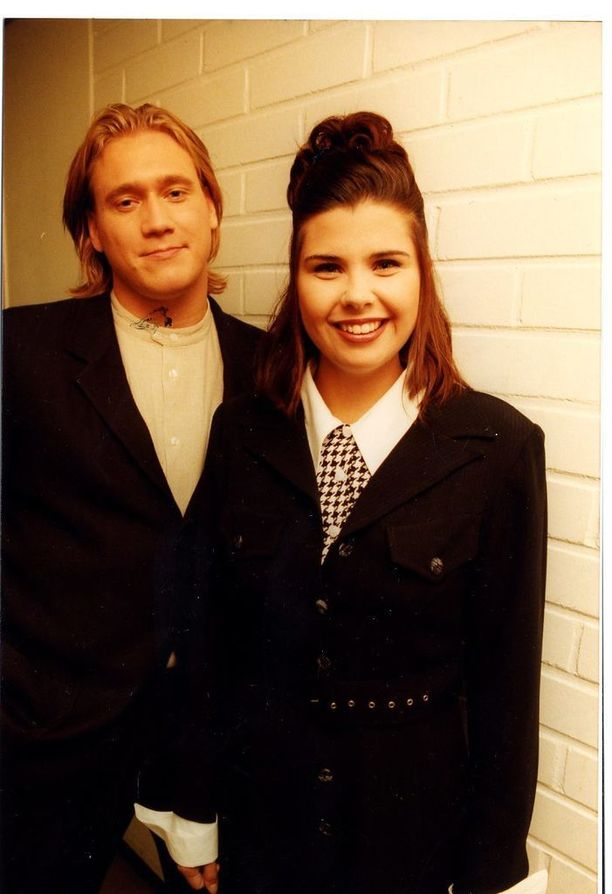 Samuli Edelmann ja Sani Aartela levyttivät yhdessä kappaleen Tuhat yötä. Siitä tuli välittömästi iso hitti.