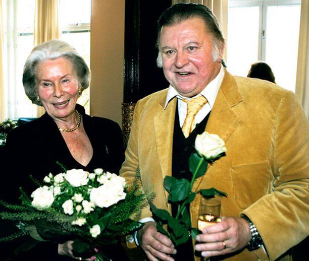 Esko Salmisen ja Kyllikki Forssellin suuri rakkaus kypsyi syväksi ystävyydeksi. – Meidät on tehty samasta aineesta, sanoi Esko Salminen Kyllikille eilen.