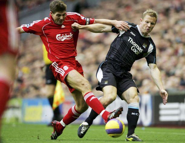 Liverpoolin kapteeni väläytti kuuluisaa laukaustaan.