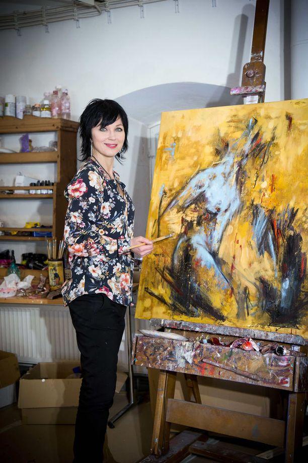 Katariina Sourin päätyö on nykyisin maalaaminen. Puoliso, Eliya Zweygberg, on jättänyt päivätyönsä ja tekee eläinaiheisia veistoksia metalliverkosta. Viime vuonna he avasivat molempien taidetta myyvän gallerian Helsingin Kruununhaassa.