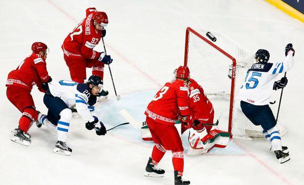Suomi kukisti Valko-Venäjän niukasti MM-avauksessa.