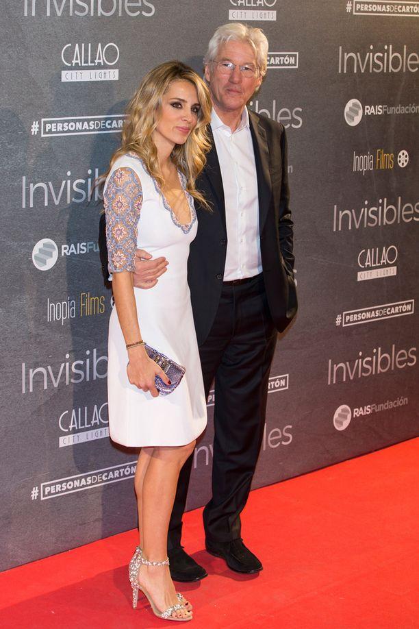Richard Gere ja Alejandra Silva ovat seurustelleet kesäkuusta saakka.