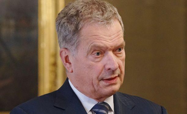 Sauli Niinistö kannattaa Jean-Claude Junckerin ehdotusta.