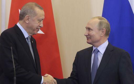 Analyysi: Loppupeli Syyriassa käydään ilman amerikkalaisia - Putin saavutti tavoitteensa