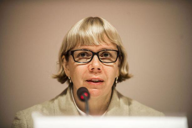 """Julkisen sanan neuvoston puheenjohtaja Elina Grundströmin mukaan Ylen langettavasta päätöksestä uutisoinnissa on """"tulkinnanvaraisia piirteitä""""."""