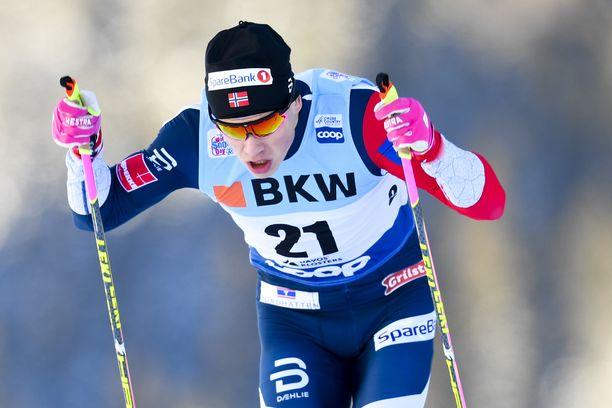 Johannes Kläbo voitti Davosin maailmancupin vapaan sprintin lauantaina.
