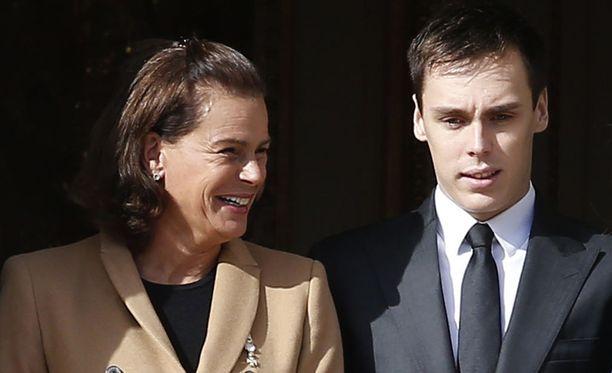 Monacon prinsessa Stephanien poika Louis Ducruet on mennyt kihloihin. Kuvassa äiti ja poika Monacossa marraskuussa 2016.