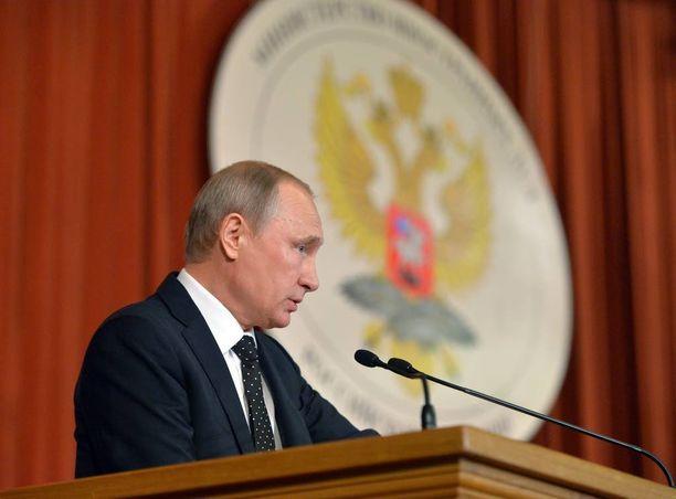 Venäjän presidentti Vladimir Putin puhui torstaina venäläisdiplomaateille Moskovassa.