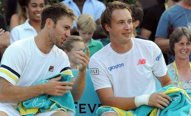John Peersin ja Henri Kontisen hymy hyytyi Wimbledonissa.
