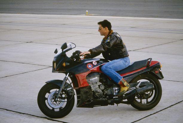 Tom Cruise oli vain 24-vuotias, kun hänestä tuli supertähti Top Gun -elokuvan myötä.