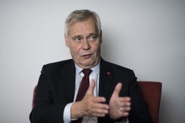 Pääministeri Antti Rinne toivoo, että Postin tilanteessa hahmotettaisiin paremmin kokonaisuus ja pohdittaisiin laajasti eri vaihtoehtoja.