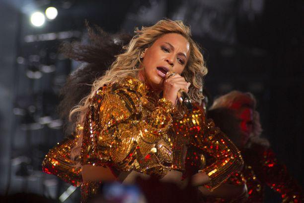 Beyoncé on tullut tunnetuksi perustamansa Destiny's Child -trion kautta.