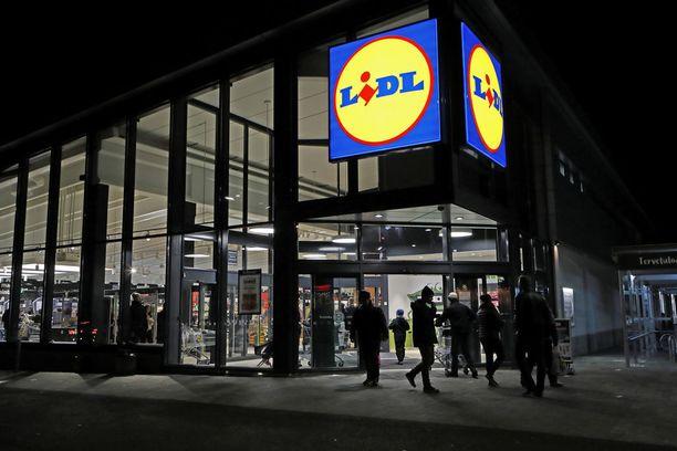 Lidlin toimitusjohtaja Lauri Sipponen huomauttaa, että S-ryhmän hinnat vaihtelevat ketjuittain ja paikkakunnittain.