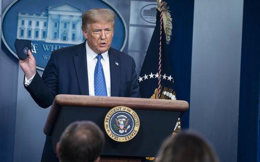 """Trump: """"Olen tehnyt tummien amerikkalaisten hyväksi enemmän kuin kukaan, pois lukien mahdollisesti Abraham Lincoln"""""""