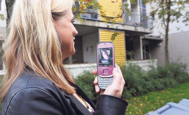Ville Valon entinen numero on useiden naisten hallussa.