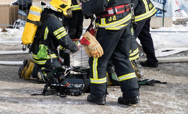 Palomestari pelkäsi pahinta, kun kuuli, millaiseen tekoon mies ryhtyi palopaikalla. Kuvituskuva.