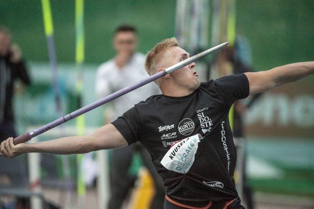 Toni Kuusela heitti päälle 77 metriä ja jäi Espoon GP-kisan viidenneksi.