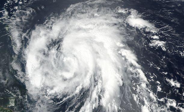 Hirmumyrksyn pelätään runtelevan pahoin Karibianmeren aluetta.