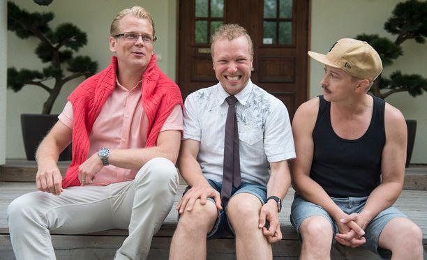 Antti Luusuaniemi, Lauri Nurkse ja Kari Ketonen ovat kirjoittaneet sarjan kolmeen pekkaan.