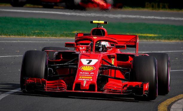 Kimi Räikkönen oli ensimmäisten harjoitusten kolmanneksi nopein kuljettaja.