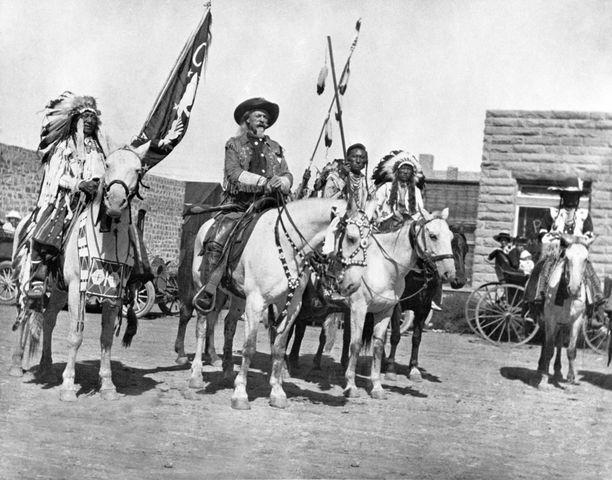 Sirkusesityksissä oli yleensä mukana myös intiaaneja.