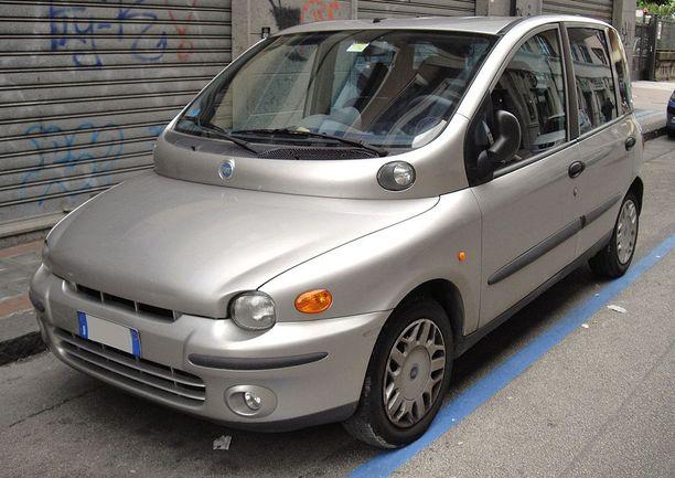 Alkuperäinen Fiat Multipla oli hyvin persoonallisen näköinen.
