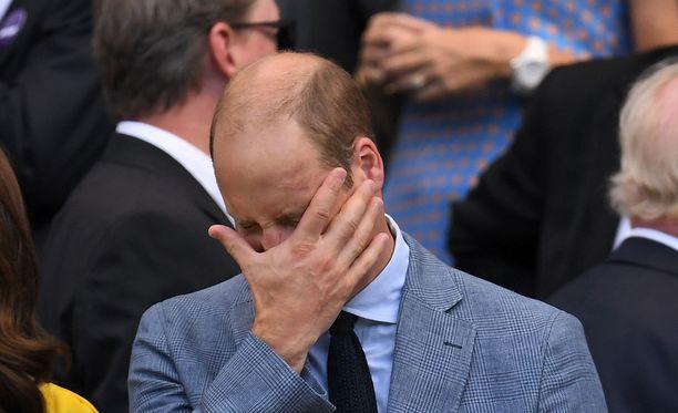 Prinssi Williamin arpi on vuosien varrella haalistunut, mutta se erottuu yhä vasemmassa ohimossa.