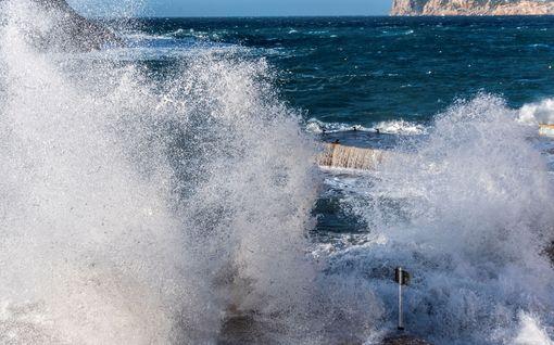 Gloria-myrsky iskee suomalaisten suosikkilomakohteisiin Espanjassa