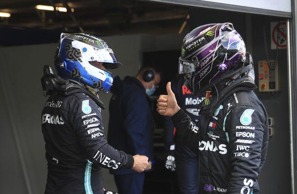 Valtteri Bottas ja Lewis Hamilton ovat ennakkosuosikkeja, jälleen kerran. Etu on lähtövalojen sammumiseen saakka suomalaisella.