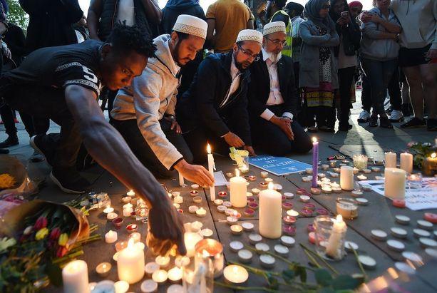 Isku on järkyttänyt myös Manchesterin muslimiyhteisöä.