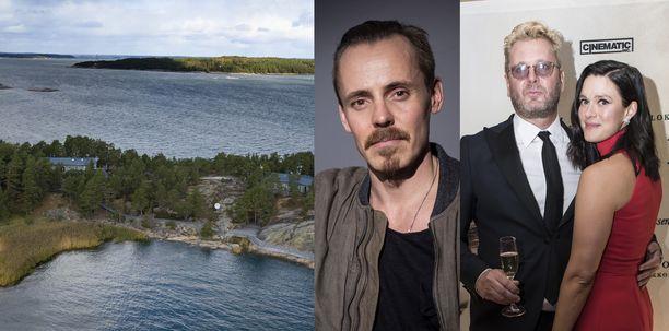 Jasper Pääkkönen (vas.) ja aviopari Antti J. Jokinen ja Krista Kosonen ovat nyt yhteiset tontin omistajat. Kuvassa Säkkiluodon saari, jossa oli yksi monista Airiston Helmen kiinteistöistä.