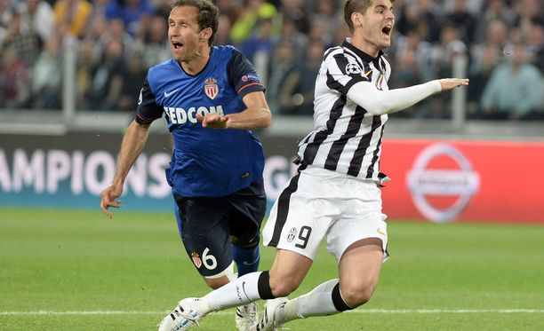 Ricardo Carvalho rikkoi Alvaro Morataa pilkun arvoisesti - vai sittenkin vaparin?