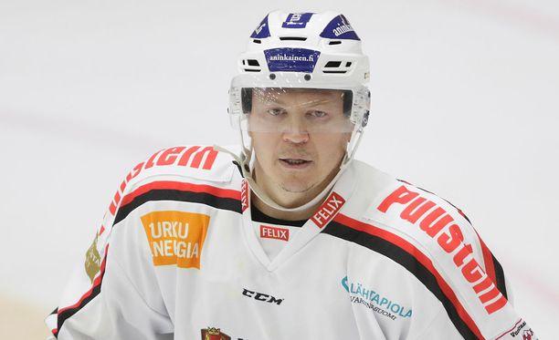 Petteri Nummelinin ura jatkuu Turussa.